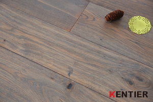 K1706--Oak Veneer Engineered Flooring with Multi Layer Has Natural Looking And Soft Feeling